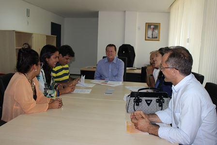 Uema assina convênio com prefeituras para oferta de cursos técnicos