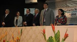 Autoridades na mesa de abertura do evento