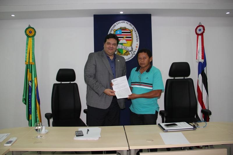 reitor Gustavo Costa com o presidente do Sintuema