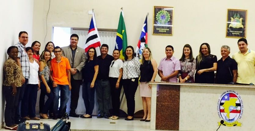 Reitor da UEMA, Diretora do Campus São João dos Patos e Professores da UEMA, do IFMA após solenidade na câmara