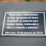 Placa em homenagem ao reencontro e à ação feita pela turma. Foto: Luís Paulo.