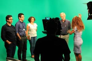 """A Oficina Midiática Pedagógica """"Câmera em Ação: como produzir videoaulas para EaD"""", ministrada pela designer de vídeo, Nilra Barros."""