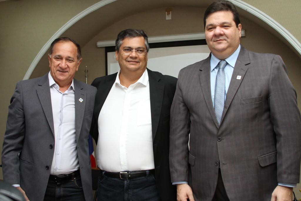 Prefeito de Arari, Governador Flávio Dino e reitor Gustavo Costa