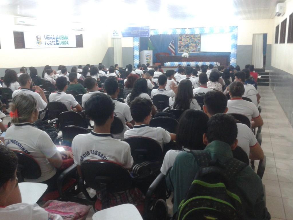 Palestras para alunos de escolas públicas de Caxias