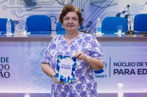 Livro Fatores de Riscos em Creches, da Profa. Heloísa Varão.